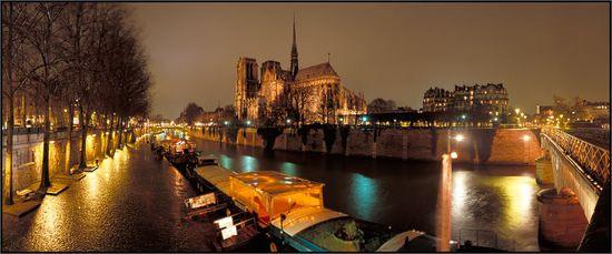 Notre-dame-paris-rain-7